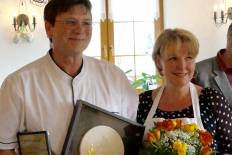 Jochen und Manuela Nobis Preisverleihung Landhotel-Jungbrunnen